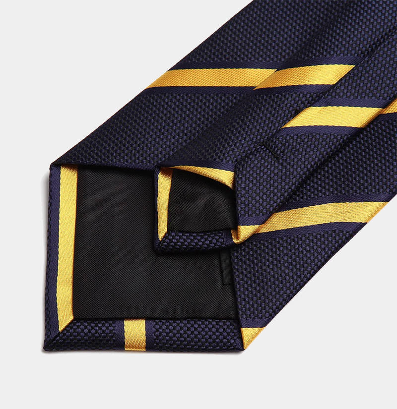 Navy-Blue-and-Gold-Necktie-from-Gentlemansguru.ccom