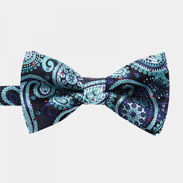 Hunter Green Paisley Pre-Tie Bow Tie from Gentlemansguru.com