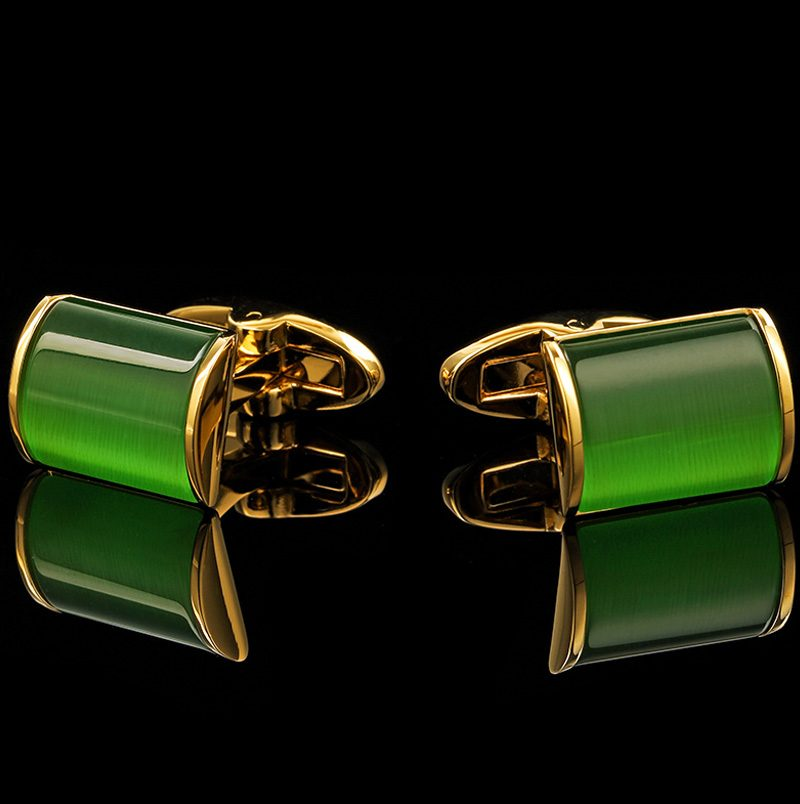 Emerald Green Cufflinks 18k Gold and Green Cufflinks from Gentlemansguru.com