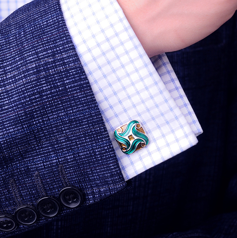 Green Enamel Cuff Shirt from Gentlemansguru.coù