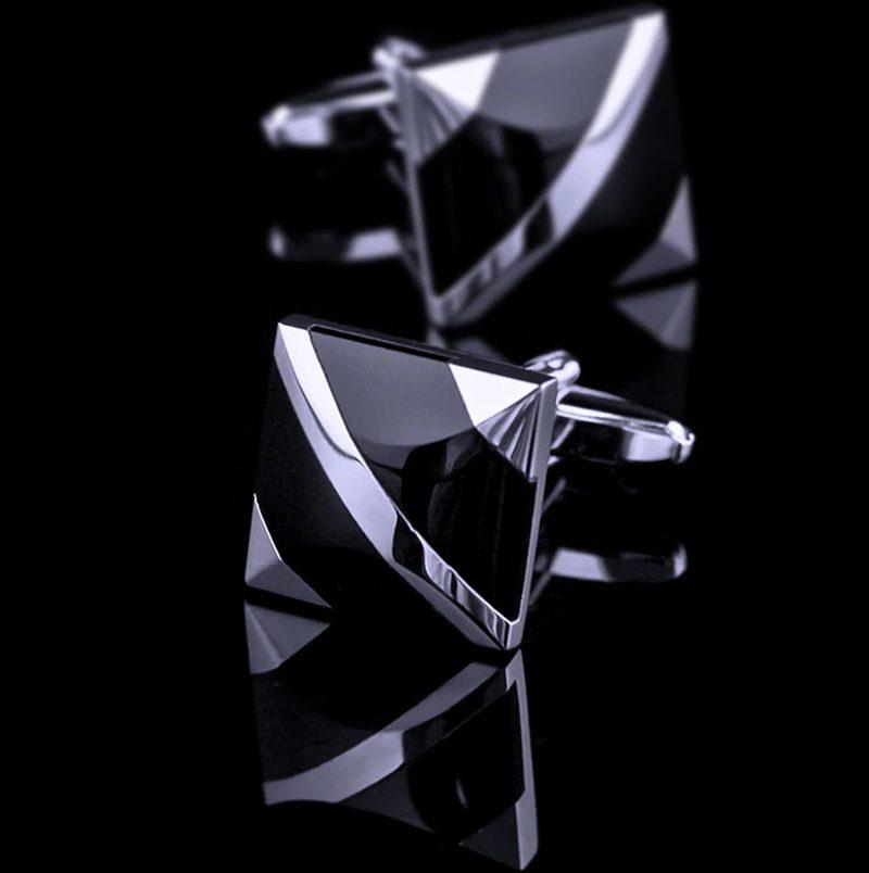Mens Black and Silver Cufflinks Set from Gentlemansguru.com