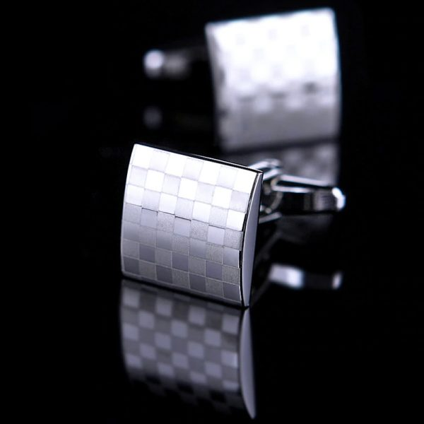 Mens Silver Checkered Cufflinks Set from Gentlemansguru.com