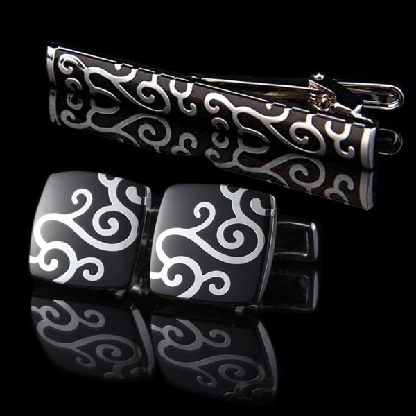 Mens Black Cufflinks and Tie Bar Set from Gentlemansguru.com