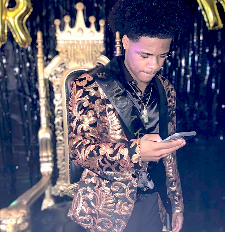 Customer-Reviews-Prom-Black-and-Gold-Tuxedo-Jacket-from-Gentlemansguru.com (2)