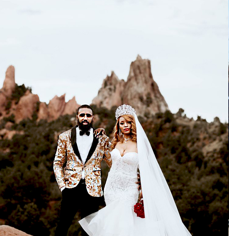Customer-Gallery-Mens-Gold-and-Silver-Wedding-Tuxedo-Suits-from-Gentlemansguru.com