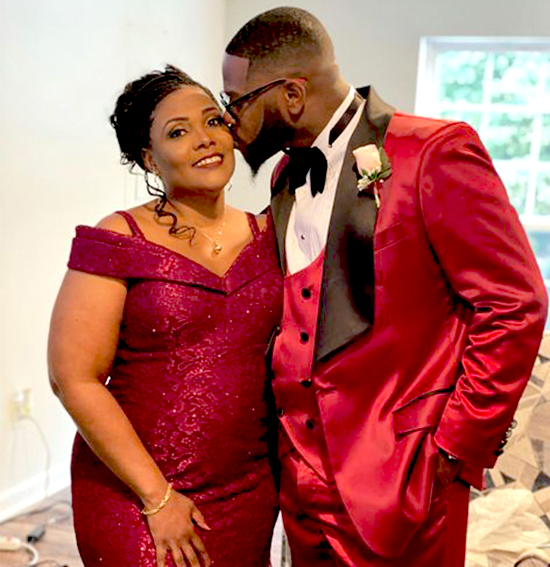 Customer-Gallery-Review-Groom-Wedding-Burgundy-Tuxedo-from-Gentlemansguru.com