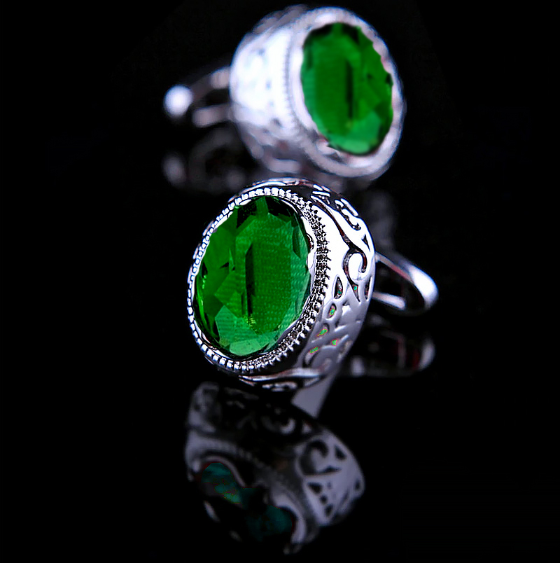 Mens-Emerald-Green-Cufflinks-from-Gentlemansguru.com