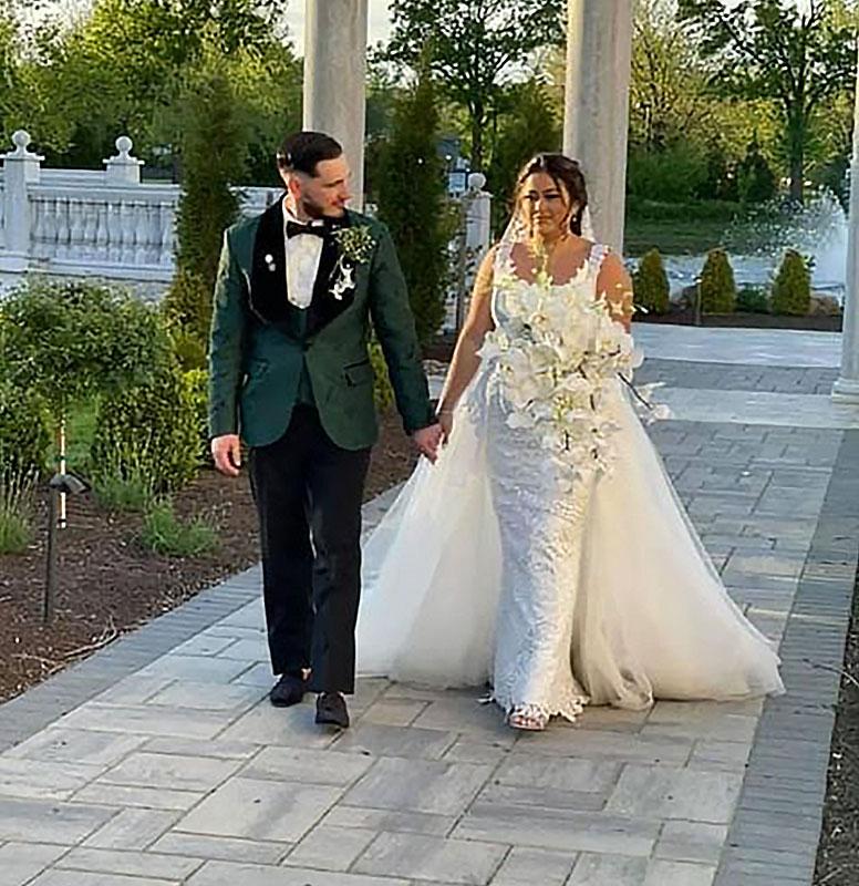 Customer-Gallery-Emerald-Green-Wedding-Suit-Grooms-Tuxedo-from-Gentlemansguru.com