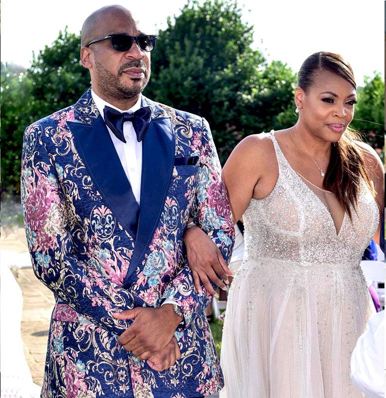 Customer-Gallery-Navy-B£lue-Gold-Wedding-Tuxedo-Suit-from-Gentlemansguru-776x800